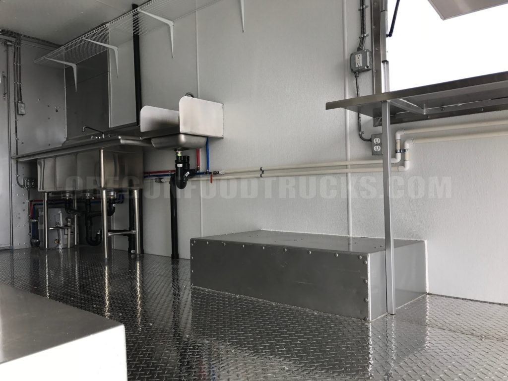 White 2002 Food Truck Stainless Steel